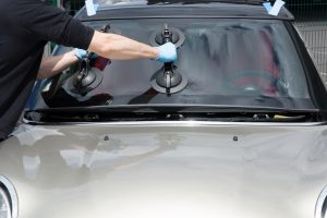 Osuna Auto Glass Windshield Replacement and Repair
